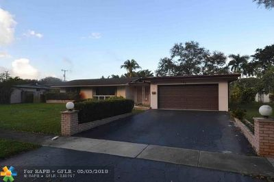 Broward County Single Family Home For Sale: 151 SW 58th Ave