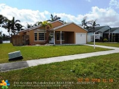 Davie Single Family Home For Sale: 12900 SW 15th Mnr