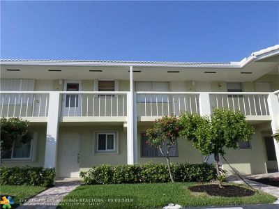 Lighthouse Point Condo/Townhouse Backup Contract-Call LA: 2311 NE 36th St #2 G