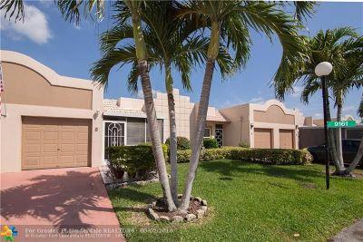 Boca Raton Condo/Townhouse For Sale: 9161 Fairbanks Ln #5