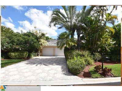 Boca Raton Single Family Home For Sale: 7639 Cedarwood Cir