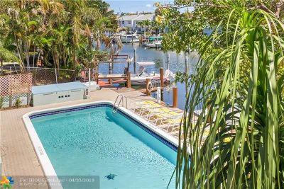 Pompano Beach Condo/Townhouse For Sale: 2400 NE 16th St #211