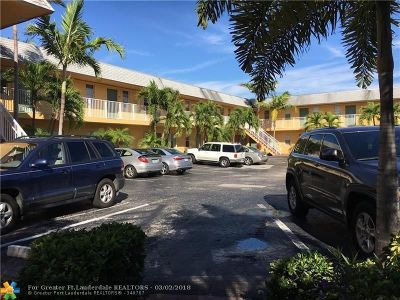Oakland Park Condo/Townhouse For Sale: 4061 N Dixie Hwy #34