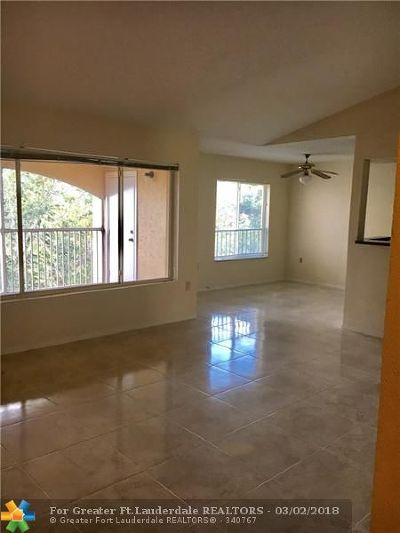 Oakland Park Condo/Townhouse For Sale: 2341 NW 33rd St #414
