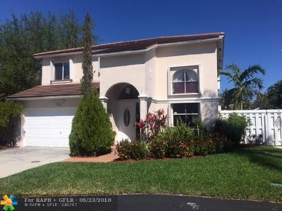 Pembroke Pines Single Family Home For Sale: 9831 SW 2nd St