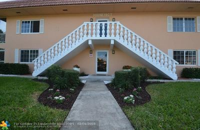 Wilton Manors Condo/Townhouse For Sale: 300 NE 19th Ct #211-N