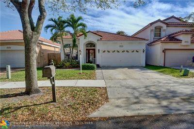 Cooper City Single Family Home For Sale: 10832 Morningstar Dr