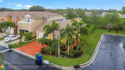 Coral Springs Condo/Townhouse For Sale: 11727 NW 57th Street