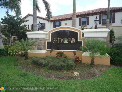 Coconut Creek Condo/Townhouse For Sale: 3958 Devenshire Ct #3958