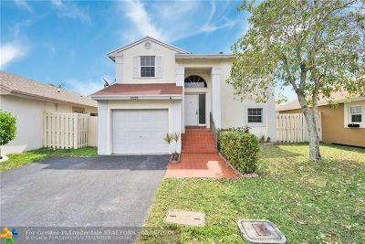 Sunrise Single Family Home For Sale: 3828 NW 107th Way