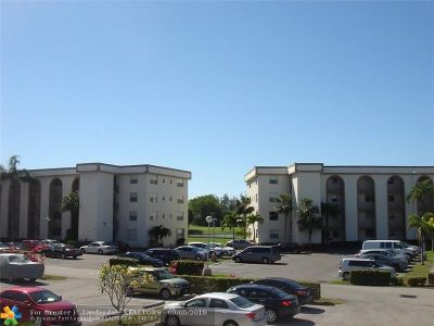 Margate Condo/Townhouse For Sale: 3261 Holiday Springs Blvd #206