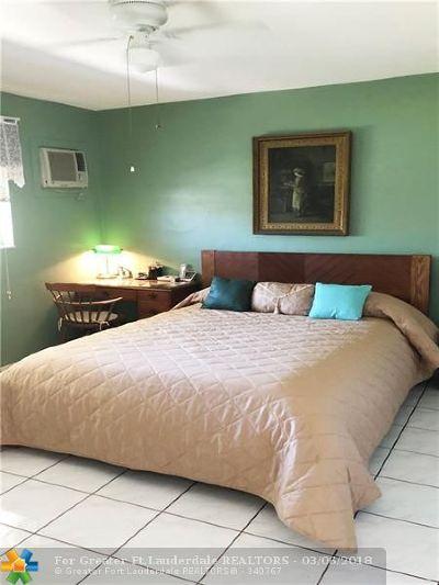 North Miami Beach Condo/Townhouse For Sale: 1395 NE 167th St #306