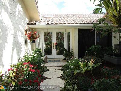 Plantation Single Family Home For Sale: 860 E Coco Plum Circle