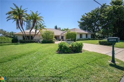Boynton Beach Single Family Home For Sale: 10678 Pine Tree Ter