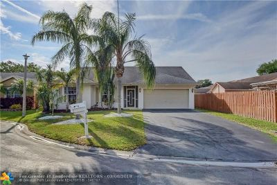 Coral Springs Single Family Home For Sale: 5214 NW 98th Ter