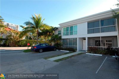 Fort Lauderdale Condo/Townhouse For Sale: 6473 Bay Club Dr #2
