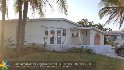 Oakland Park Single Family Home For Sale: 5811 NE 2nd Ter