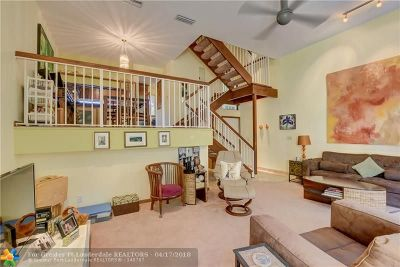 Deerfield Beach Condo/Townhouse For Sale: 884 SE 19th Ave #11