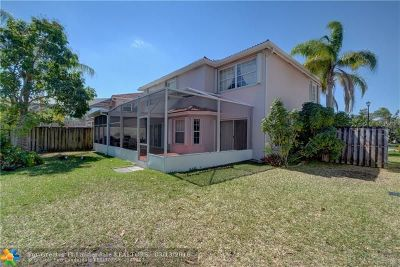 Weston Single Family Home For Sale: 60 Gables Blvd