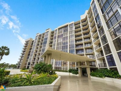 Broward County Condo/Townhouse For Sale: 600 Parkview Drive #322