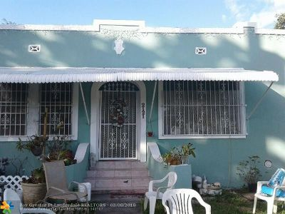 Miami Single Family Home For Sale: 2121 NW 26th St
