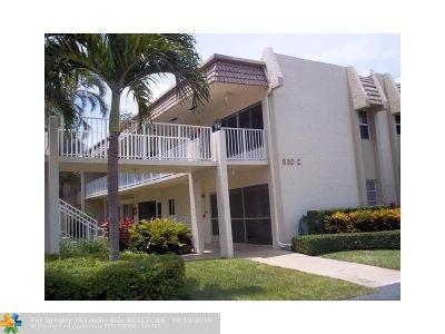 Boynton Beach Condo/Townhouse For Sale: 630 Snug Harbor Dr #C14