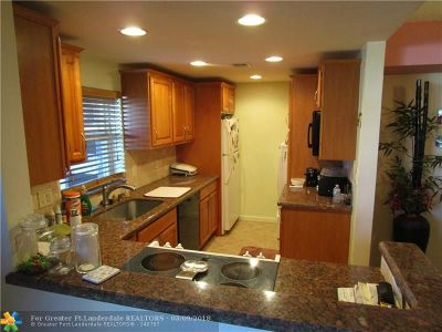 Lauderdale By The Sea Condo/Townhouse For Sale: 5200 N Ocean Blvd #109