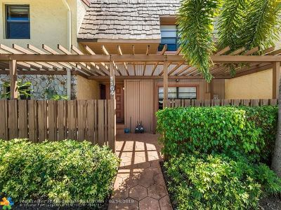 Plantation Condo/Townhouse For Sale: 1164 NW 79th Dr #1164