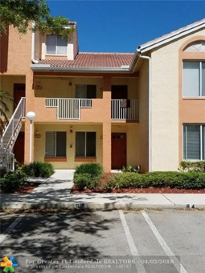 Coral Springs Condo/Townhouse For Sale: 940 Coral Club Dr #940