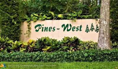 Condo/Townhouse For Sale: 3098 S Oakland Forest Dr #1501