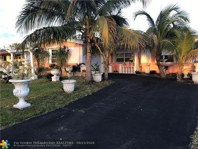 Sunrise Single Family Home For Sale: 2600 N Pine Island Rd