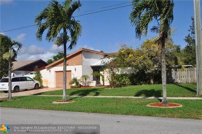 Deerfield Beach Single Family Home For Sale: 298 NW 41st Way