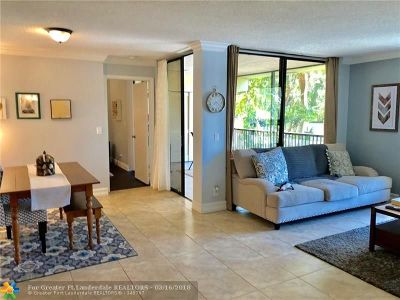 Coconut Creek Condo/Townhouse For Sale: 2527 NW 49th Ter #723