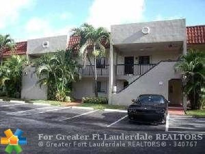 Boca Raton Condo/Townhouse For Sale: 120 NW 70th St #103