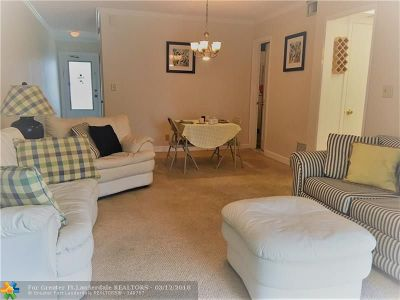 Lauderdale By The Sea Condo/Townhouse For Sale: 1439 S Ocean Blvd #210