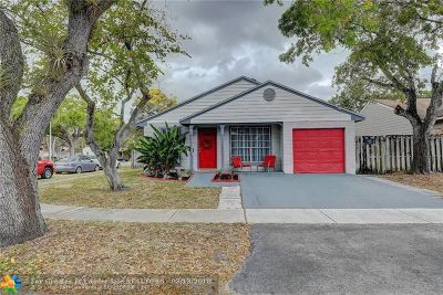 Pembroke Pines Single Family Home For Sale: 1401 SW 85th Ter