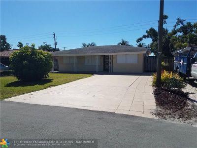 Oakland Park Single Family Home For Sale: 250 NE 42nd St