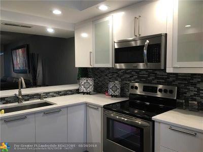 Boca Raton Condo/Townhouse For Sale: 6121 Balboa Cir #103