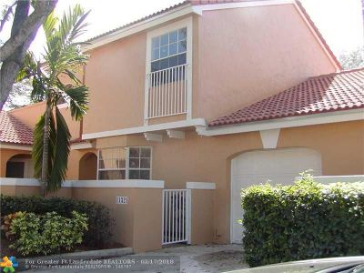 Coral Springs Condo/Townhouse For Sale: 11321 Lakeview Dr #2N