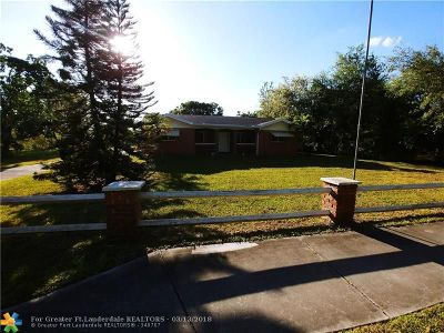 Davie Single Family Home For Sale: 4765 SW 61st Ave