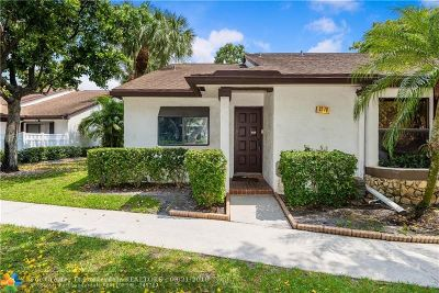 Coconut Creek Condo/Townhouse For Sale: 3270 S Carambola Cir #3270