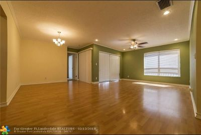 Coconut Creek Condo/Townhouse For Sale: 3575 NW 35th St #3575