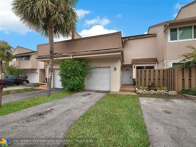Plantation Condo/Townhouse For Sale: 8214 NW 9th Court #8214