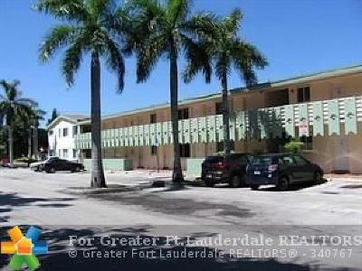 North Miami Beach Condo/Townhouse For Sale: 980 NE 170th St #102