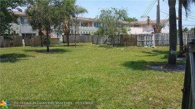 North Miami Beach Condo/Townhouse For Sale: 981 NE 169th St #126