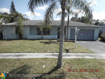 Plantation Single Family Home For Sale: 1820 SW 69th Ave