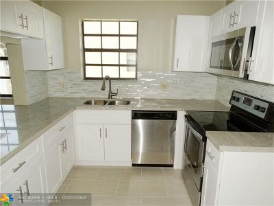 Broward County Condo/Townhouse For Sale: 2112 Congressional Way #2112