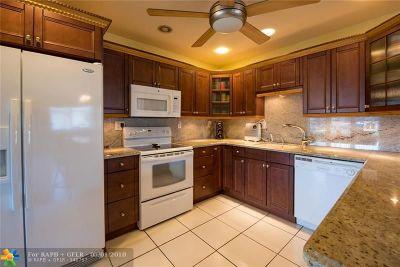 Oakland Park Single Family Home For Sale: 1745 NE 52nd St