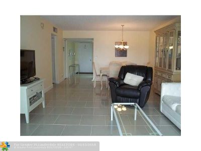 Pompano Beach FL Condo/Townhouse For Sale: $129,900