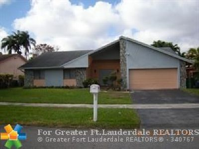 Broward County Single Family Home For Sale: 7040 NW 49 Court